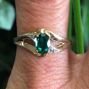 10k Gold Emerald Diamond Ring